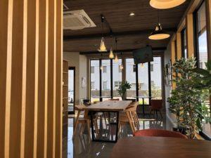 ランドリーカフェ芦辺店カフェエリア1